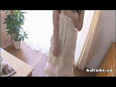 ロングヘアーの可愛い少女が下着姿になったので、これはもしや?と思ったらまさかの結末wwww