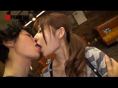 【無料エロ動画】大島美緒が焼肉屋のSHOP店員だった頃に出演した『激カワ看板娘を狙え★』 | エロ動画まとめ【エロP】