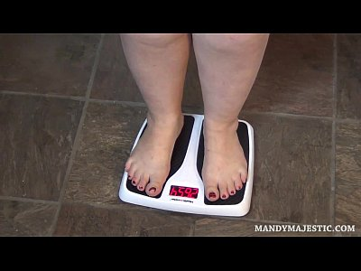 Chunky Curvy Plump video: Mandy Majestic and friends Weigh Each other