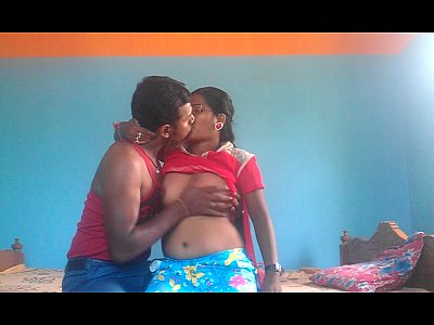 Esta caliente madura infiel esta cogiendo con su adultero amigo cuando es grabada en este video xxx