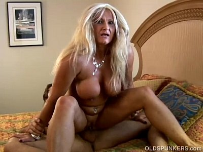 Milf Mature Granny video: Kinky old spunker loves to get get her asshole rimmed