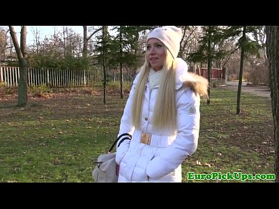 Blonde European Eurosex video: Winter time pickup with flashing blonde