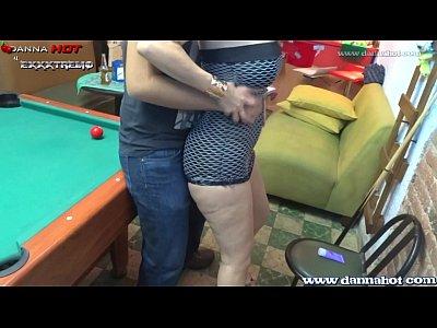 Videos de Sexo Danna hot apostando el culo en un juego de billar