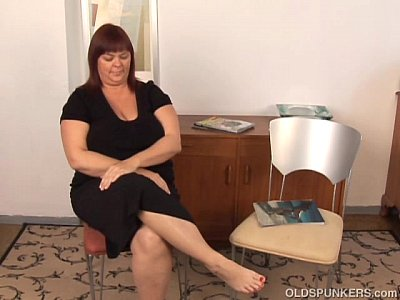 Chubby Mature Busty video: Huge boobs old spunker plays with her fat juicy pussy