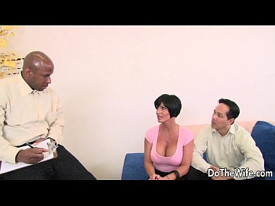 Porno video: Brunette wife takes large black cock