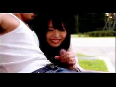 公共の場で露出エッチをしまくる美少女有村千佳ちゃん