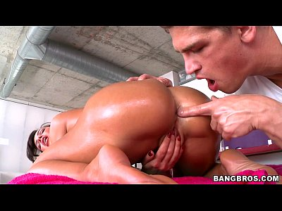 Секс массаж в масле