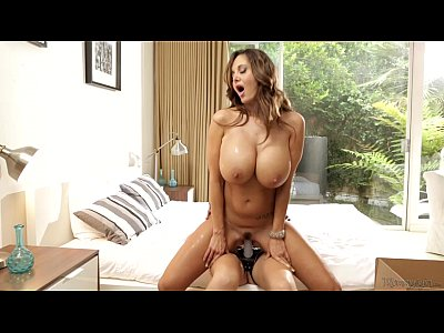 Porno video: Mommy Ava Addams and her Step-daughter Ariana Marie