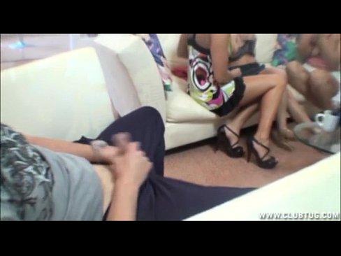 Вуйаристы дрочат перед девушками видеоролики 1 фотография