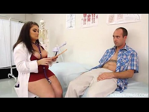 Doctorita Grasuta O Arde Cu Un Pacient Care O Vrea In Pat