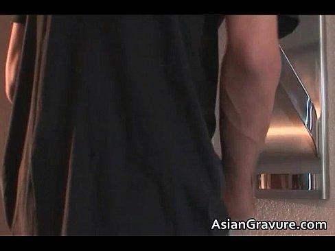【吉沢明歩】玄関開けたらすぐにフェラ!チ○コ狂いの若奥様がやって来た男をぶっこ抜き!