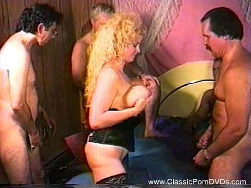 Threesome For Classic MILF Retro Sex