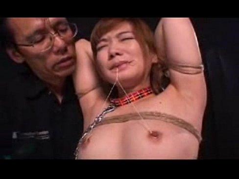荒縄で緊縛した美女。乳首責め&鞭でスパンキングするハードSM調教。
