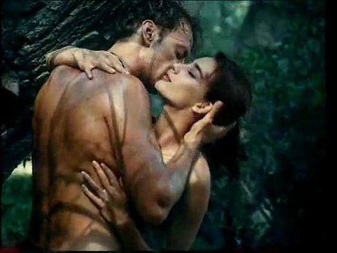 Tarzan fudendo na floresta