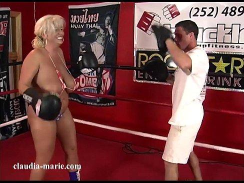 Loira Peituda Treinando Boxe Acaba Fodendo Muito Com O Treinador