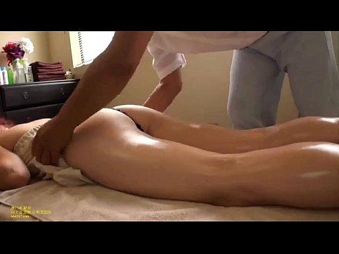 массажист ебет после массажа смотреть онлайн