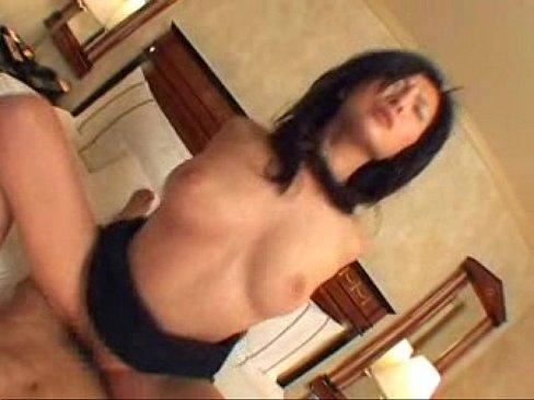 【樋口冴子】官能的な体をした熟女OLとのホテル密会ハメ撮り動画!デカ乳もイイがケツもそそるイイ女