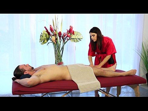 Valentina A Italiana E Sua Fantasia De Massagem Sexual