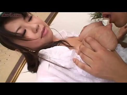 人妻の母乳無料熟女動画。母乳がでる人妻が全裸で家事、フェラチオ、濃厚セ...