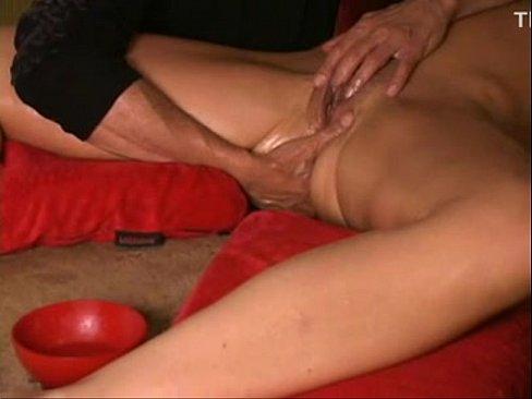 bistro-dostavit-devushke-orgazm