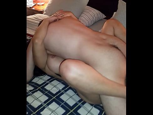 Llenando A Mi Puta Esposa De Lechita Caliente Para Que El Cornudo La Limpie