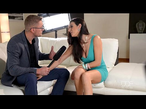 Italian Glamour babe gets Interviewed before anal sex