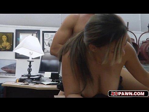 Politsta Prinsa La Furat Si Pusa Sa Se Futa Ca Sa Scape De Dosal Penal