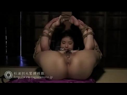 着物姿の美尻なエロ妻が緊縛拘束され視姦調教される