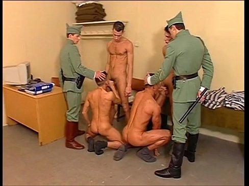 смотреть гей в армии бесплатно