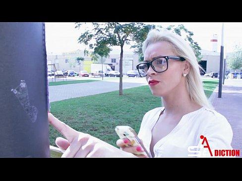 Prezentatoare Tv Romance Xxx Platesc Tineri Sa Le Futa Dupa Program La Hotel