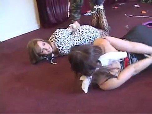 girls licking girls pussies