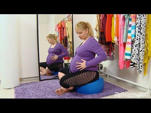 Pregnant Jenny #03 from MyPreggo.com