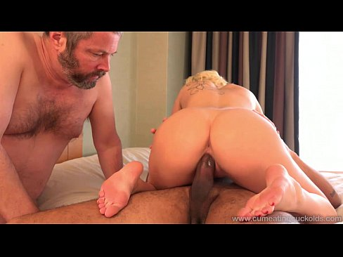 Cum Eating CuckoldsCindy Lou makes her soon ex-hubby a cuckold