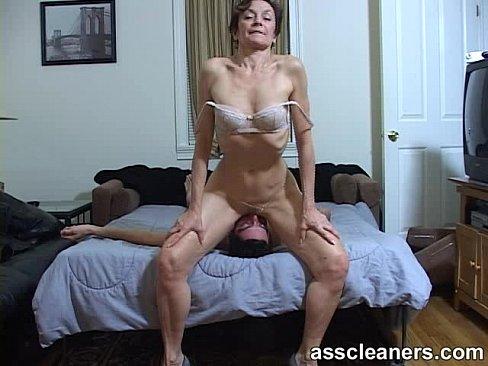 Зрелая дама писает порно фото 391-425