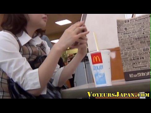 【巨にゅうのオナニー動画】素人の盗撮H無料動画。素人ちゃんのオナニーを盗撮した激エロなやつ