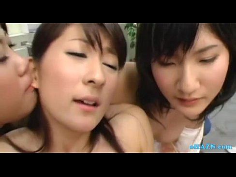 【3P・乱交のハメ撮り動画】会社のオフィスで絶叫しながら乱交するOL達