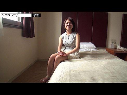 巨乳の美女のフェラ無料H動画。清楚な巨乳美女が初めてのAV出演!