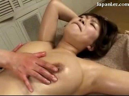 豊乳 豊乳お姉さまがオイルあん摩でオモチャ責め  日本人ビデオ【爆乳】