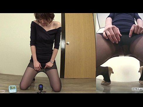 美人の無料hitoduma動画。股間を押さえてる美人のおねーさんがこの後何をするでしょう?