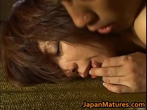 【翔田千里】バックでパコりながらレロレロベロチューする夫婦がリアルに...