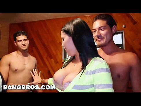 BANGBROSBig pornstar party in college dorms with Diamond Kitty and Luna Star