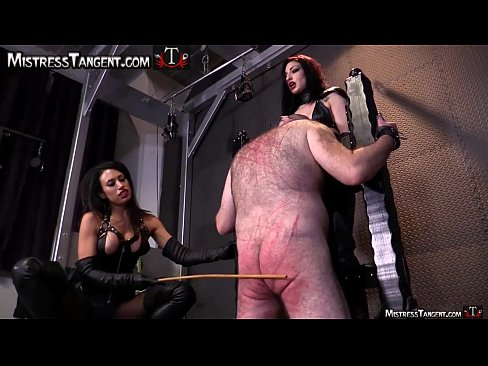 on Femdom knees submissive male