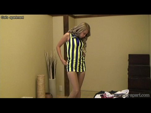 Japanese suntan teen MIRANO switches to super mini skirt uniform