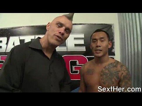 Ring Girl Fodendo Com O Lutador De MMA