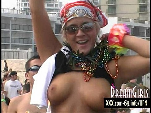 Ultimate Public Nudity - Boobs-A-Flashing - XVIDEOS.COM