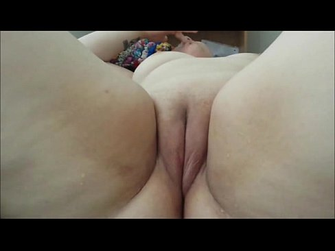 Gorgeous Fat Girl With Shaved Cunt - XVIDEOS.COM