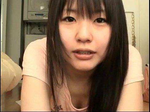 【つぼみ】ロリ童顔な人気AV女優のプライベート映像w本物の自宅でヨガしてるw