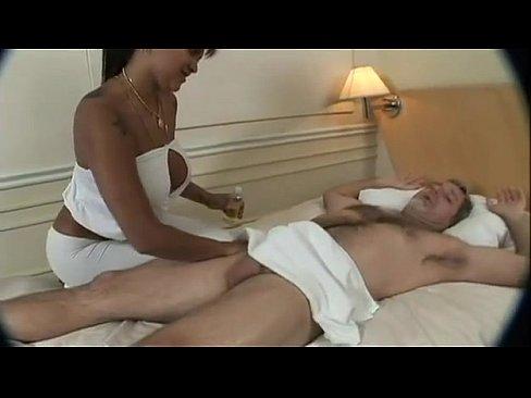 Fazendo Massagem E Transando Com Cliente