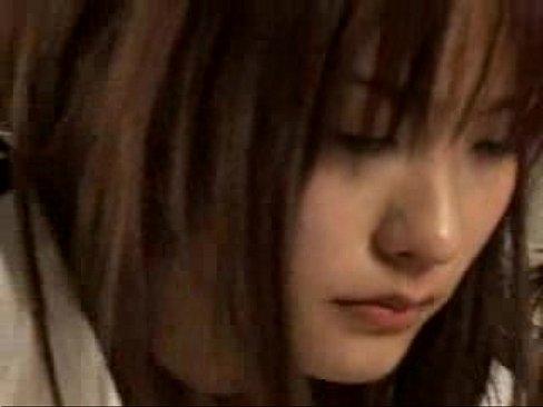 【鮎川なお】体操着の美少女がクラスメイトたちにガンガンレイプされちゃう...