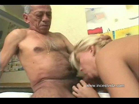 русское порно дед соблазнил внучку